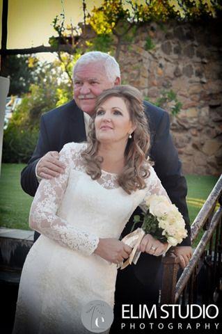 Groom and Bride:- Pietman en Retha Venue:- Thaba Tshwene Klerksdorp wedding Photographers:- Elim Studio Elim Studio is professional Klerksdorp Wedding Pho