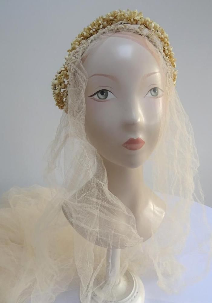 Best 25+ Wedding tiara veil ideas on Pinterest | Wedding tiara ...
