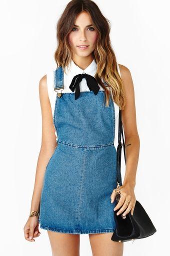 Nasty Gal: Simple Sleeveless Blouse + Denim Overall Dress + Black Ribbon