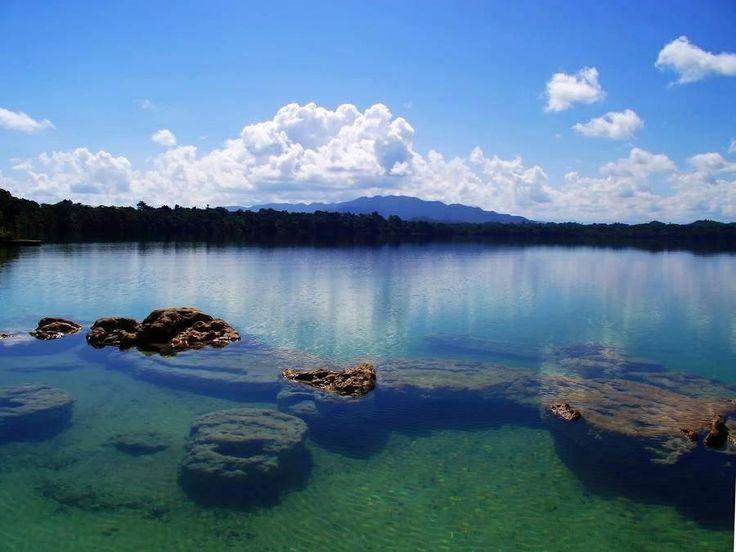 Laguna Lachuá - Chisec, Alta Verapaz - Guatemala