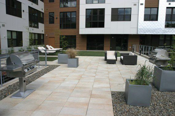 Unilock - Rooftop with Umbriano paver in Boston