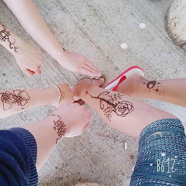 【sakiprs】さんのInstagramをピンしています。 《I got a hena tatto on my arm🌸  #念願の #ヘナタトゥー #桜 #日本 #可愛い #綺麗 #友達が #書いてくれた #hena #tatoo #cherryblossom #japan #cute #beautiful #myfriend #draw #work》
