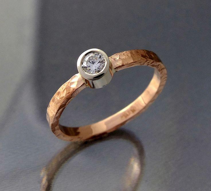 Pierścionek BIZOE młotkowana obrączka - brylant - idealny na zaręczyny www.bizoe.pl