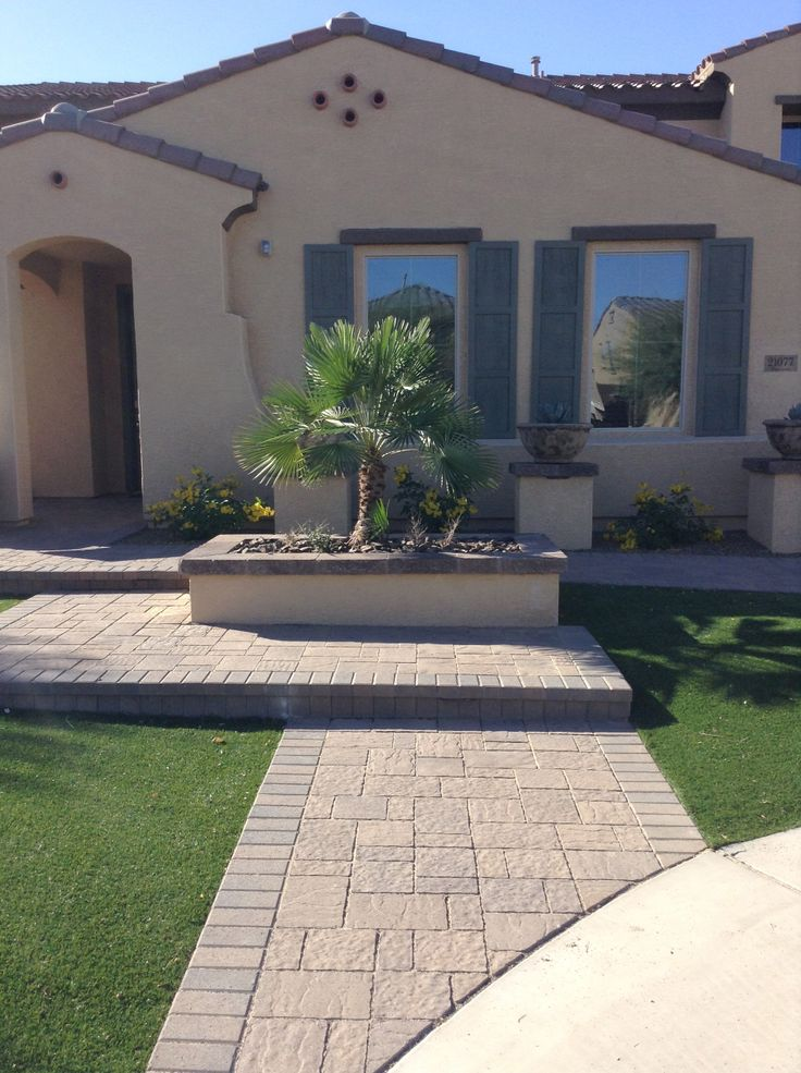 165 best images about corner lot landscaping ideas on for Corner lot landscaping