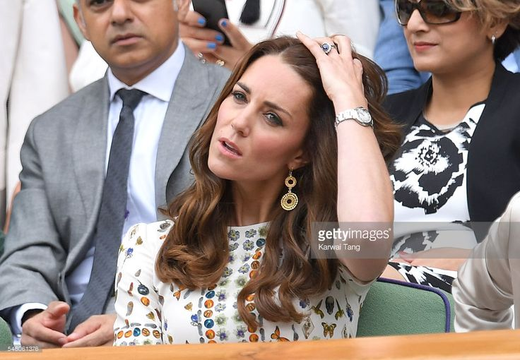 Catherine, Duchess of Cambridge attends the Men's Final of the Wimbledon Tennis Championships between Milos Raonic and Andy Murray at Wimbledon on July 10, 2016 in London, England.  (Photo by Karwai Tang/WireImage)