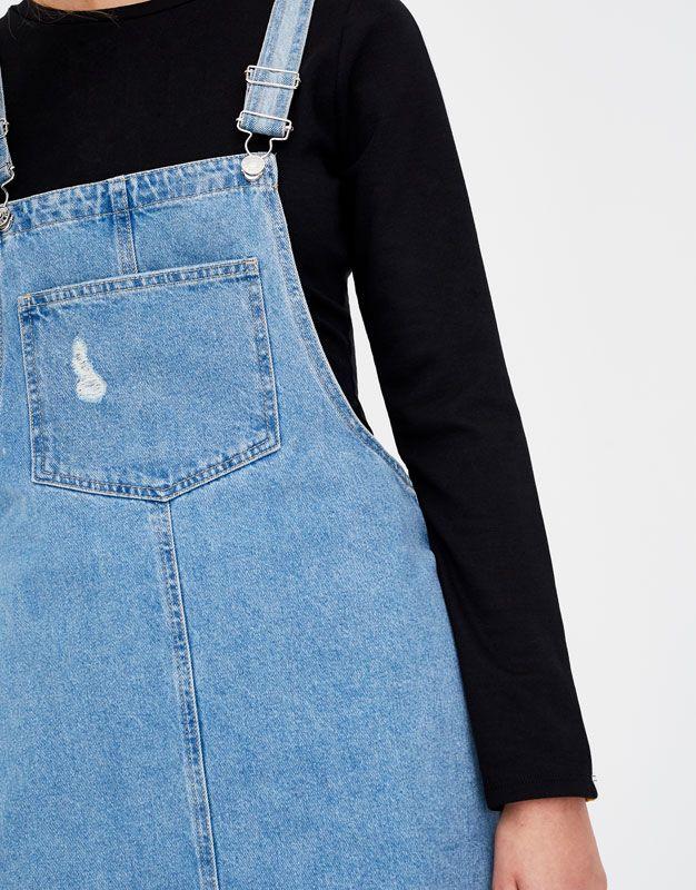 Peto falda denim con bolsillos - Petos y monos - Ropa - Mujer - PULL&BEAR España