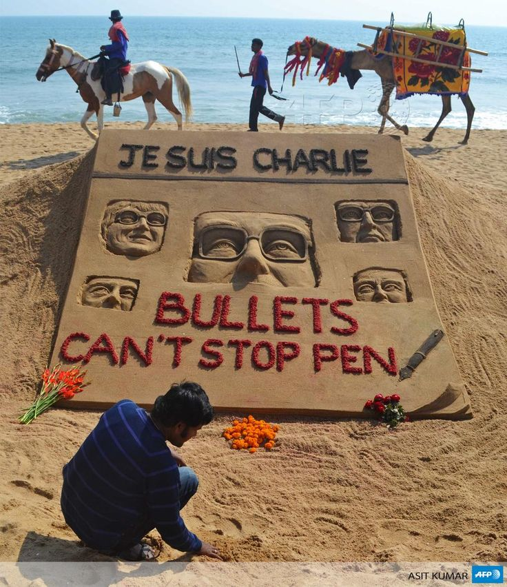 """""""Indian artist Sudarsan Pattnaik and his tribute to those killed in the attack on Charlie Hebdo"""""""