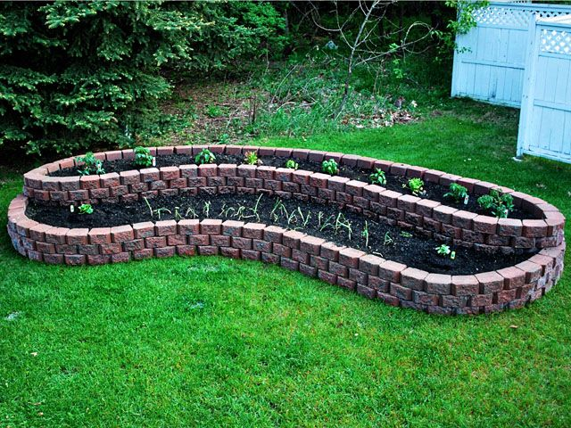 Layered Planting Area Great Idea For Your Yards I 400 x 300