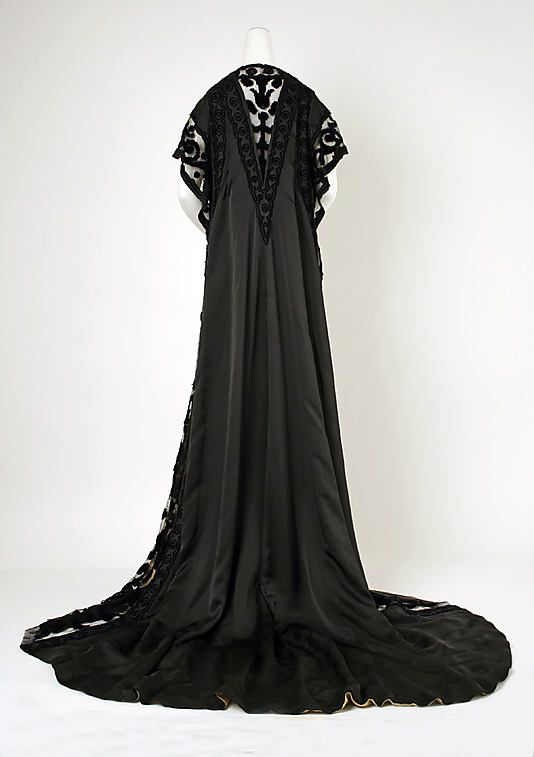 Negligée.  House of Worth (French, 1858–1956).  Designer: Jean-Philippe Worth (French, 1856–1926). Date: 1908. Culture: French. Medium: silk. Dimensions: Length at CB: 83 in. (210.8 cm).