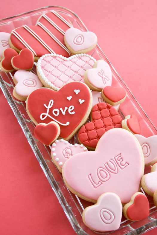 Who wouldn't feel loved biting into one of these gorgeous cookies?!