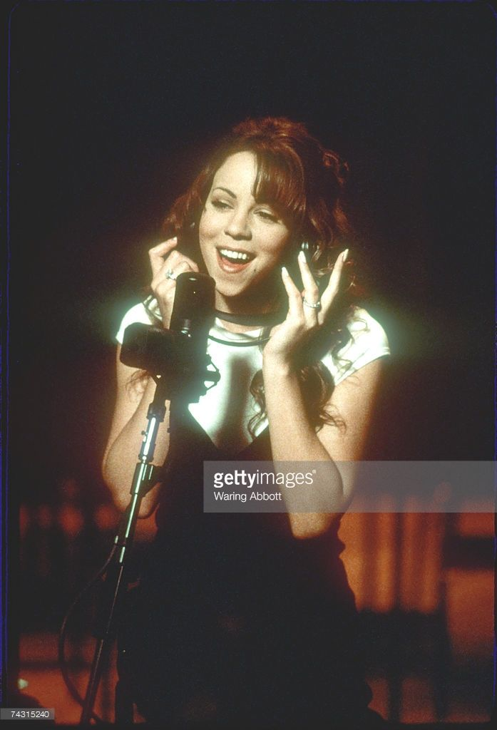 Photo of <a gi-track='captionPersonalityLinkClicked' href=/galleries/search?phrase=Mariah+Carey&family=editorial&specificpeople=171647 ng-click='$event.stopPropagation()'>Mariah Carey</a> Photo by Waring Abbott/Michael Ochs Archives/Getty Images