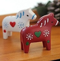 Cute chubby Dala ponies!