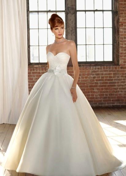 Simple elegant princess dress <3