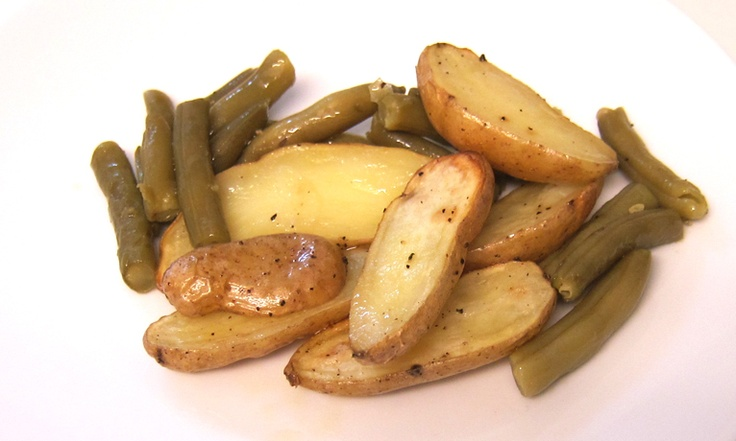 I love these roasted potatoes and green beans with tarragon dressing!  So good and easy!