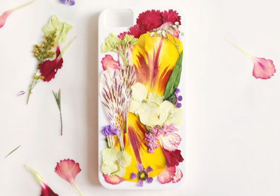 Etsy Blog - Tutorial - how to diy howto celphone cel cell phone iphone case with beautiful lasting pressed flowers 005