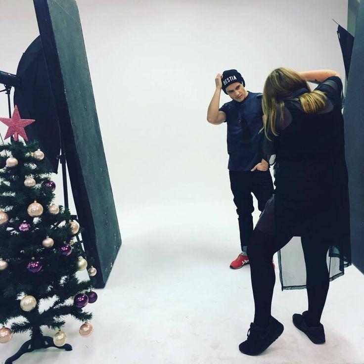 Backstage Lookbook Xmass   #lifestyle #funandrebel #streetwear #koszulki #bluzy #modazulicy #piekuo #naluzie #look #swoboda #backstage #lookbook #sesja #kulisy