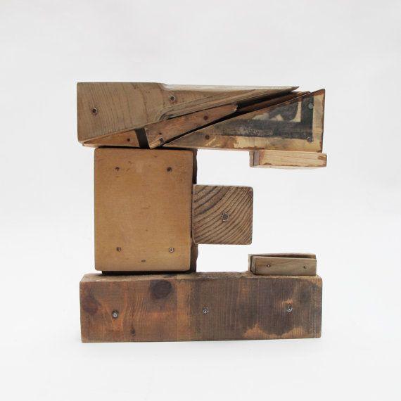 Letras de madera E estilo industrial  por PETULAPLAS