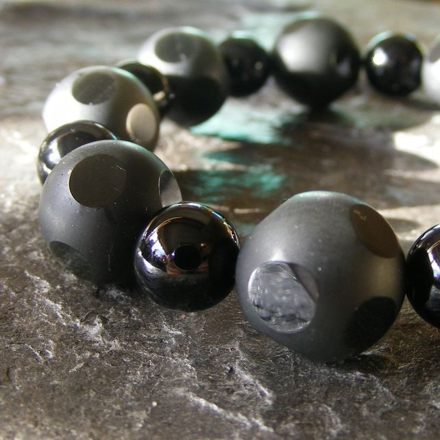 Stretch Bracelet with Faceted and Polished Black Onyx Gemstones £13.50