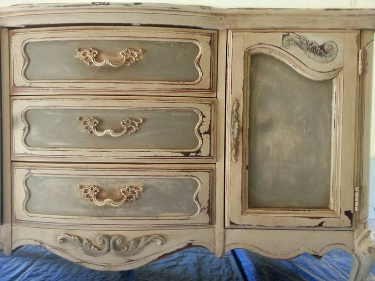 Elegant French Finish Using Heirloom Traditions Paint. Www.1chalkpaint.com