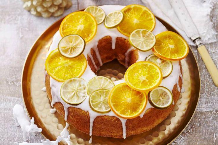Een absolute blikvanger op tafel, deze feesttaart met frisse vruchtjes - Recept - Citrus-tulband - Allerhande