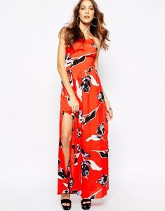 Summer maxi dress, red with floral pattern. Buy it here: http://justbestylish.com/10-secrets-how-to-be-stylish-in-summer/
