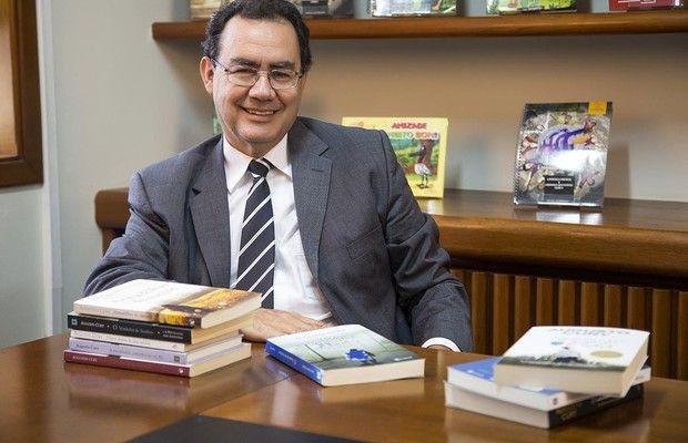 'Ganhar dinheiro vicia', diz Augusto Cury