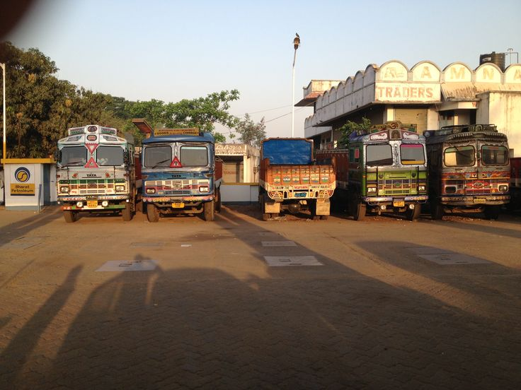 Bengali truck, more pictures on our Website #travel #india