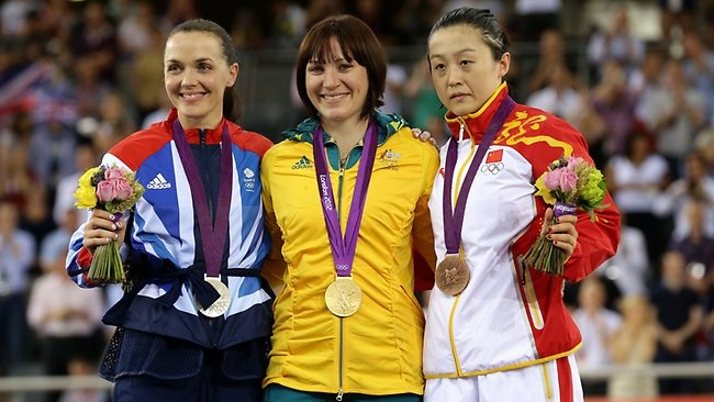 Australia's Anna Meares claims gold in women's sprint against arch-rival Victoria Pendleton