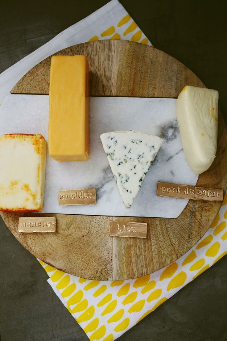 Gold Cheese Labels (the perfect D.I.Y. for a hostess gift or housewarming party!): Gold Cheese, Gild Chee, Cheese Markers, Gold Diy Chee Labels, Cheese Labels, Cheese Platters, Hostess Gifts, Cheese Boards, Diy Cheese