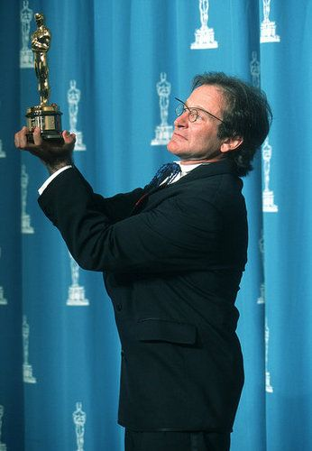 Robin Williams.  1997 Best Supporting Actor  //  Good Will Hunting