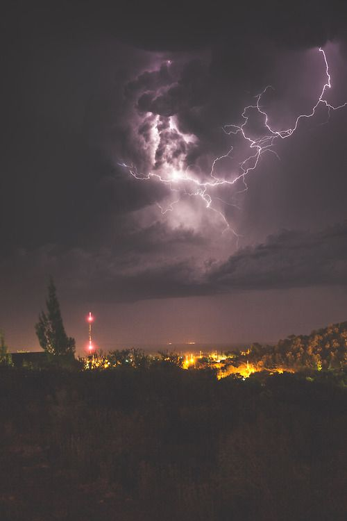 Thunderstorm in San Luis, Argentina. • Credit: Chris Ford