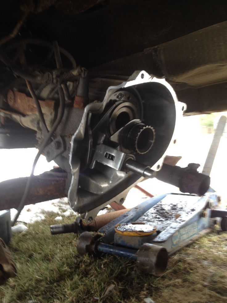 That moment when your parts Jeep's transfer case realizes that you didn't give a fuck about anything but it's drive chain...