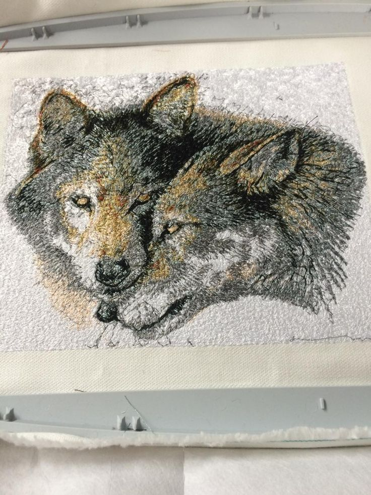 Download here Wolfs photo stitch free embroidery design 6