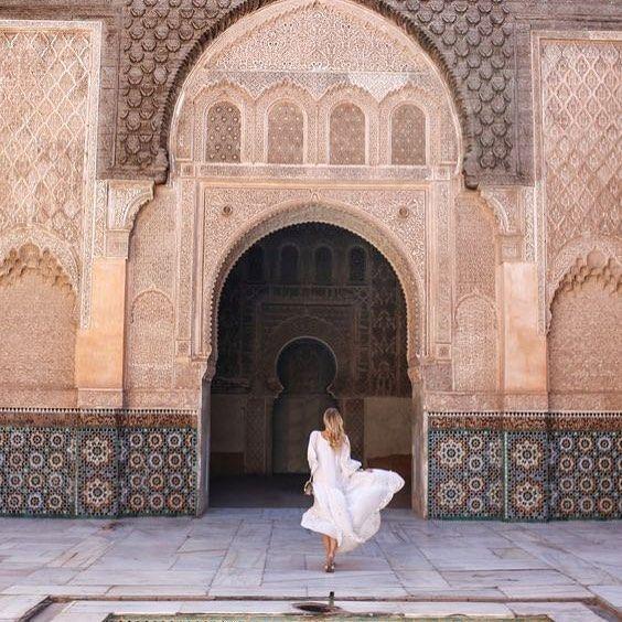 Maroc magique!    Les vacances se poursuivent pour nous le Maroc nous emerveille la lumiere les couleurs laccueil incomparable et les epices... Il nous reste encore tant a decouvrir! photo: @ohhcouture . . . . #morroco #travel #travelinspo #morrocanwedding #bohowedding #travelidea #weddingplanner #montrealwedding #vacation #dreamvacation #travelblogger  Morrocos Travelling Informações em nosso Site http://storelatina.com/morroco/travelling
