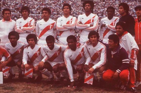 Peru 1981 La selección peruana logró uno de sus triunfos mas recordados frente a Uruguay en el mítico Centenario, en 1981.