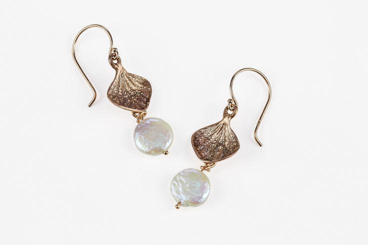 Rose Gold Disc Pearl Hydrangea Earrings