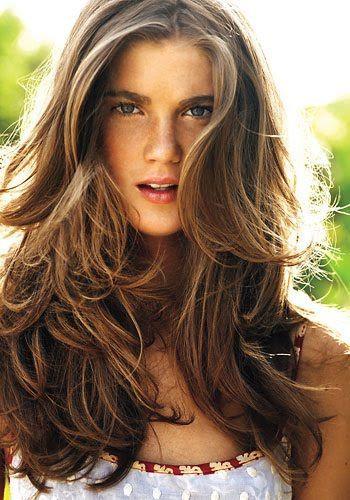 fryzury luźne fale
