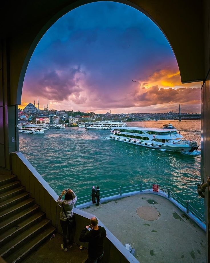 ahguzelistanbul:    İstanbul   byilkinkaracan