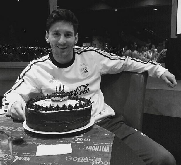 Thanks for the birthday cake! It's been an amazing day, thank you everyone. - LIO (Messi Facebook)