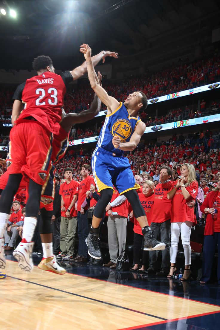 The Shot. STEPH CURRY sends the Warriors to Overtime in Game 3 with this miraculous triple. #WARRIORSvPELICANS