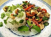 Gebratenes Hühnerfleisch mit Cashewkernen - Gai Pad Mamuang (Rezept mit Bild) | Chefkoch.de