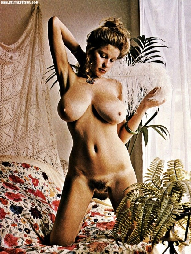 vintage nude greek women