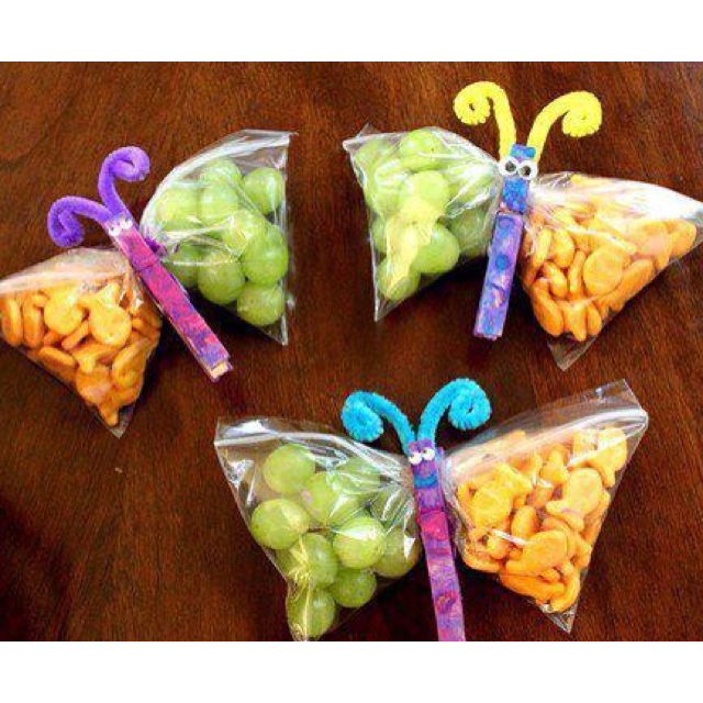 paperclip butterfly snack bags - I would want these for me.