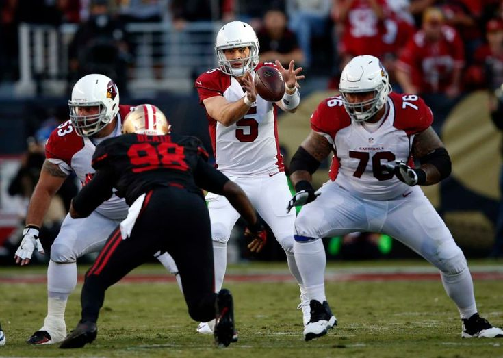 Thursday Night Football: Cardinals vs. 49ers  -  October 6, 2016:  33 - 21, Cardinals  -    Arizona Cardinals quarterback Drew Stanton takes a snap during the first half of a game against the San Francisco 49ers at Levi's Stadium in Santa Clara, California on Oct. 6, 2016.