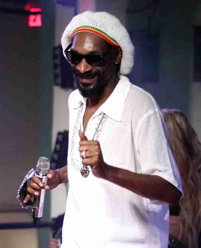 Snoop Dogg to induct Tupac Shakur into Rock & Roll Hall of Fame  #JoanBaez #SnoopDogg #TupacShakur