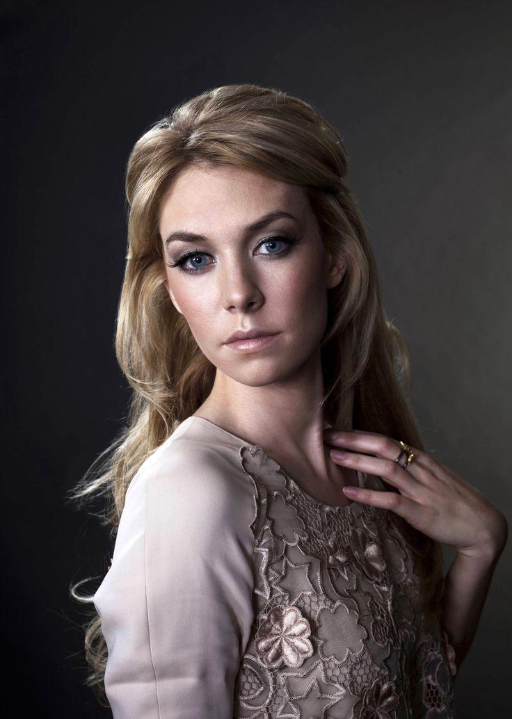 Vanessa Kirby   Retratos   Vanessa kirby, Actors ...