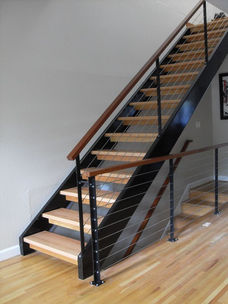 Best Cable Handrail System With American Cherry Handrail Cap 640 x 480