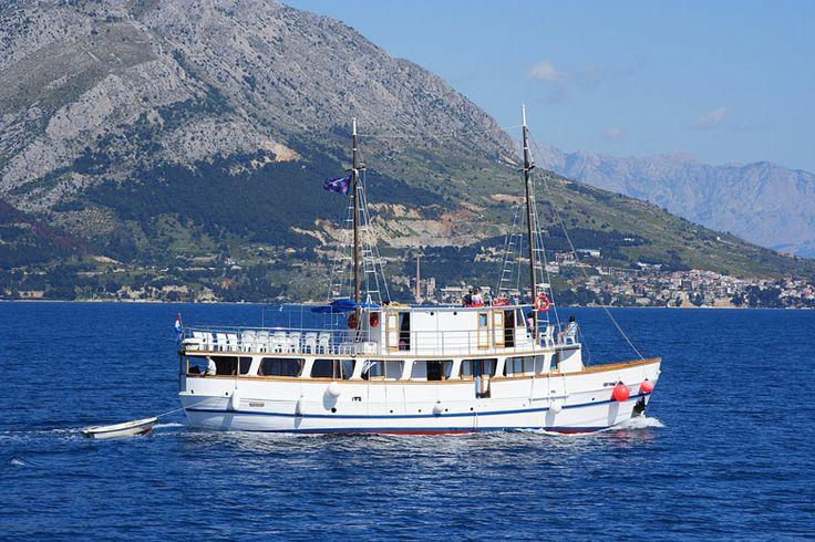 Okružní plavba 4 - Severní Dalmácie: http://www.novalja.cz/chorvatsko/plavby-lodi/plavba-lodi-severni-dalmacie/