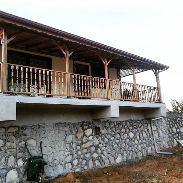 #ahşap#varenda#masa#tabure #Çardak içi oturma grupları#banklar#malatya ahşap sanayi# #masa#sandalye#tabure# #balkon# #mutfak# #teras#  #bahçe#  #yemek masaları#oturma bank ve banko grupları# #özarısan LTD. ŞTİ.&arı mobilya# #istenilen renk ve tasarım şekilleri mevcuttur# http://turkrazzi.com/ipost/1523388186561457690/?code=BUkKXwDBa4a