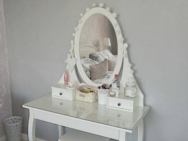12 best images about dressing table on pinterest feather for Ikea hemnes vanity table